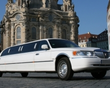 Junggesellinenabschied in limousine